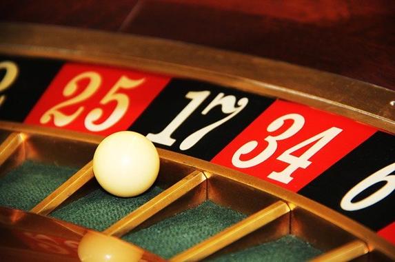 「オンラインカジノ」ならインターネットでも本格カジノが楽しめる!